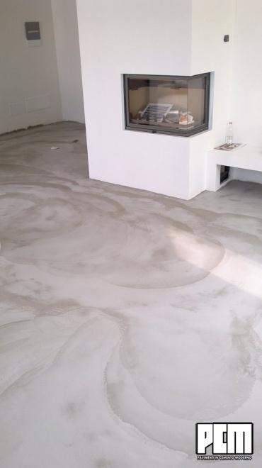 Pavimento in cemento spatolato soggiorno e loft - Abbinare pavimento e mobili ...