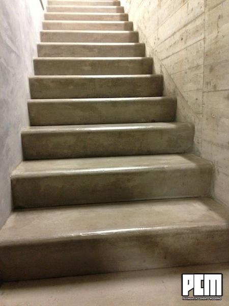 Cemento spatolato scale