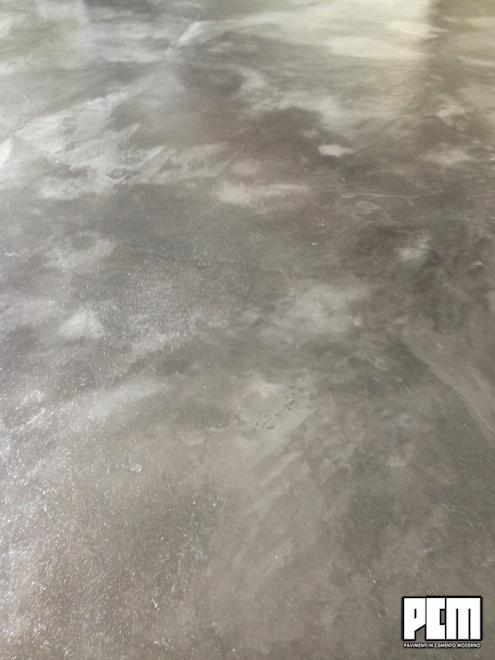 Pavimento in cemento spatolato colorato for Pavimento in cemento