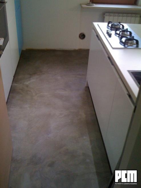 Pavimento In Cemento Spatolato In Cucina